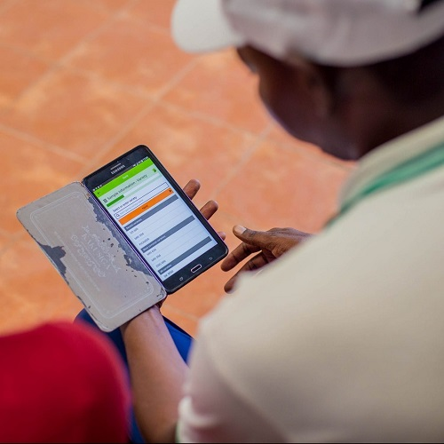 Plant doctor using the Plantwise Data Collection app